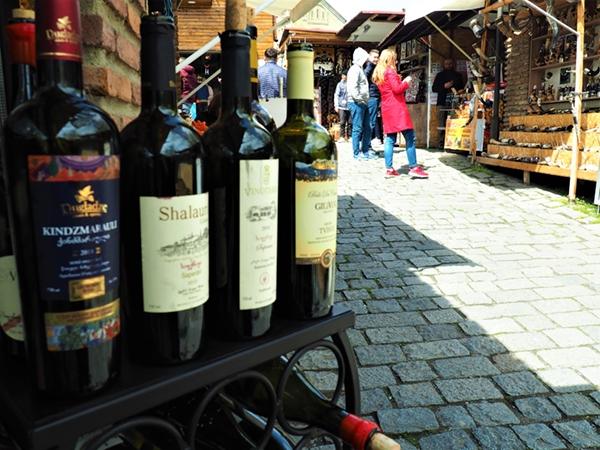Market_souvenirs_MEET-GE